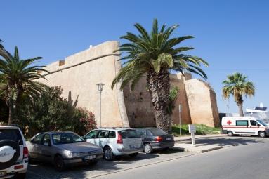 B. Porta de la Vila (2)