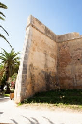 B. Porta de la Vila (3)