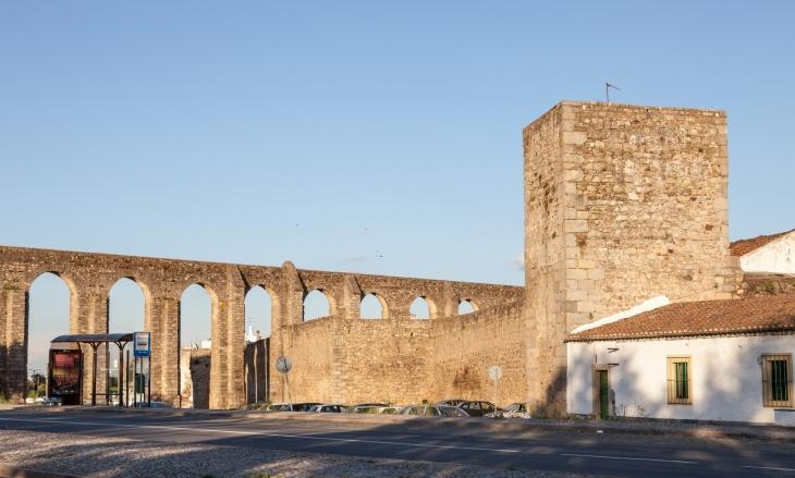 Fortificações de Évora – Torres, castillos y fortalezas