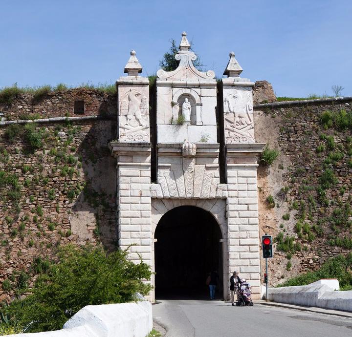 Porta Currais