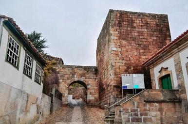 Porta Sao Tiago2