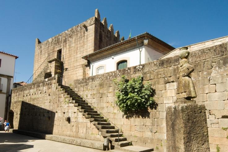 Muralla escalera adarve