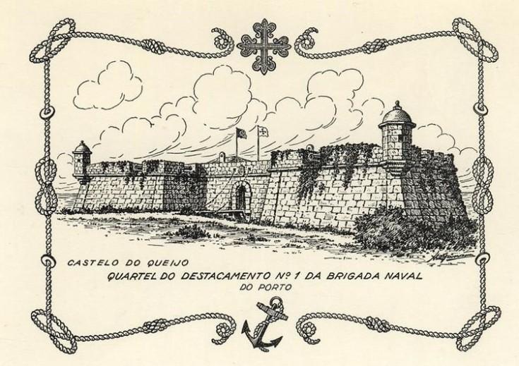 Cartão com imagem do Castelo do Queijo, inscrita em cercadura com os símbolos da Brigada Naval da Legião Portuguesa.